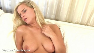 Hot Blonde Gives Great Head