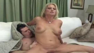 Skinny blonde cougar takes his cock in her experienced pussy